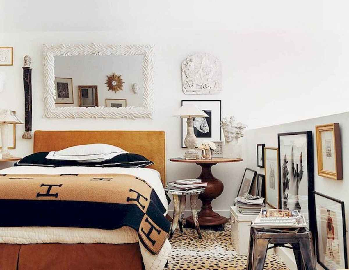 60 cool eclectic master bedroom decor ideas (38)