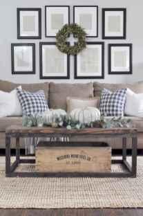 60 cool modern farmhouse living room decor ideas (24)