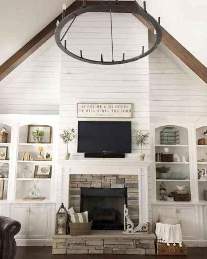 60 cool modern farmhouse living room decor ideas (30)