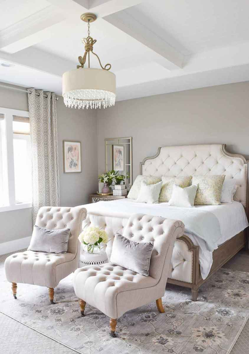 60 romantic master bedroom decor ideas (50)