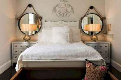 60 simply small master bedroom decor ideas (26)