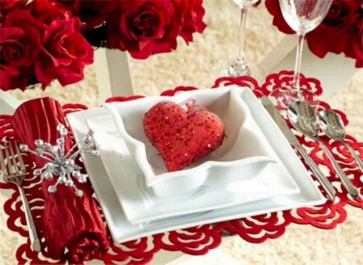 66 romantic valentines table settings decor ideas (53)