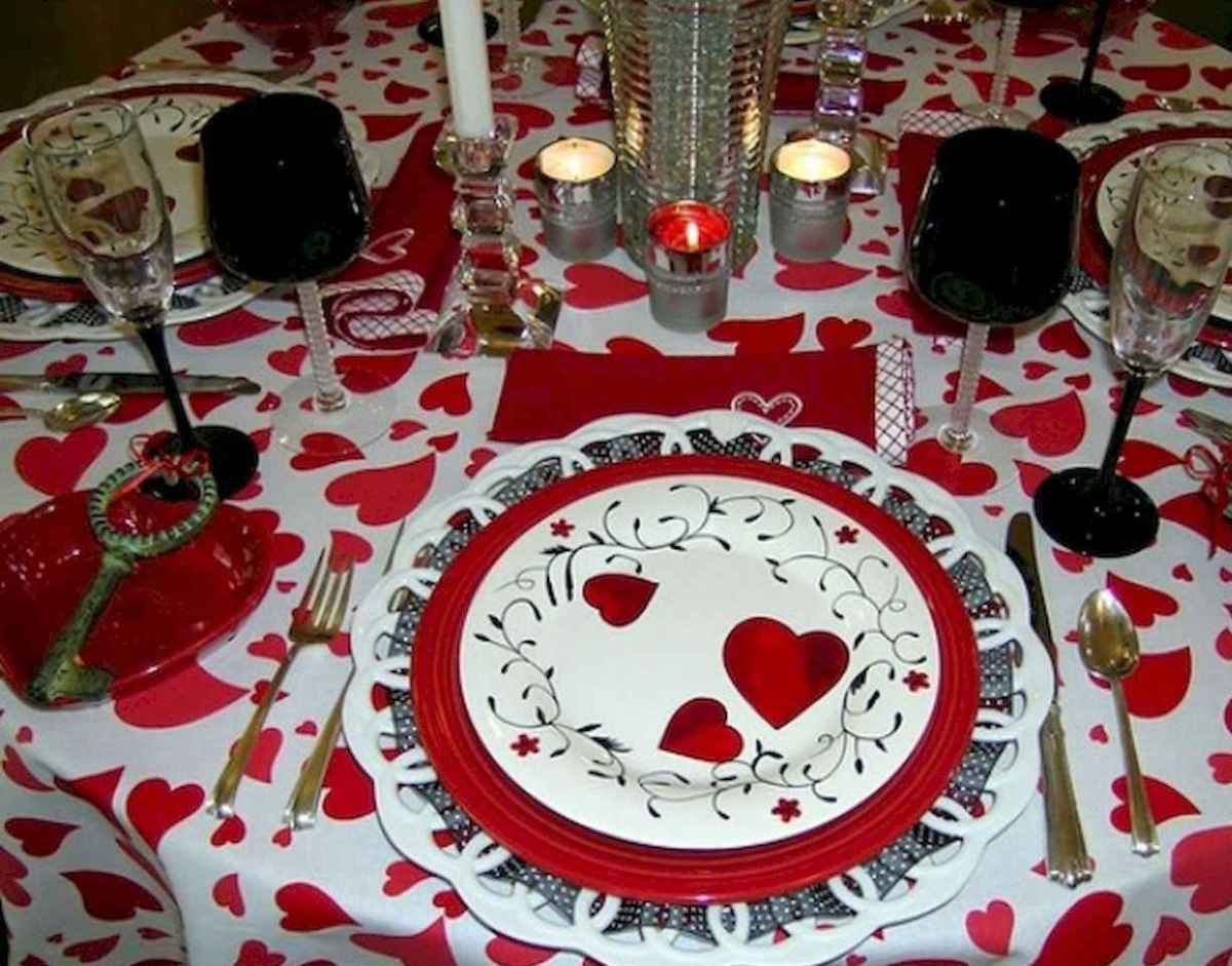 66 romantic valentines table settings decor ideas (57)