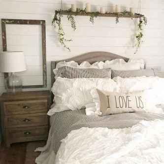 70 beautiful farmhouse master bedroom decor ideas (43)