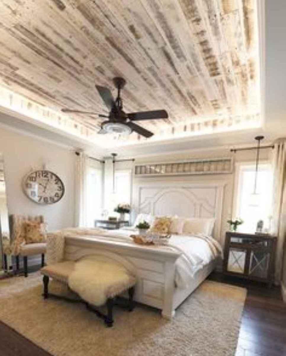 70 beautiful farmhouse master bedroom decor ideas (53)