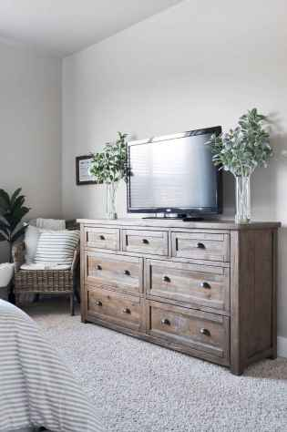 70 beautiful farmhouse master bedroom decor ideas (63)