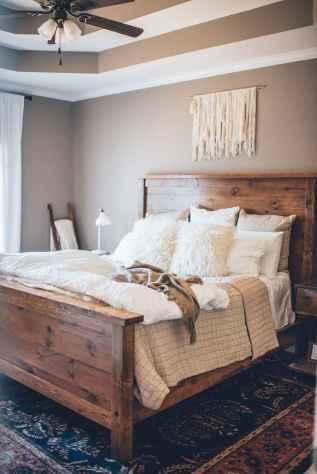 70 beautiful farmhouse master bedroom decor ideas (64)