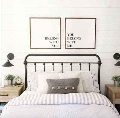 70 beautiful farmhouse master bedroom decor ideas (69)