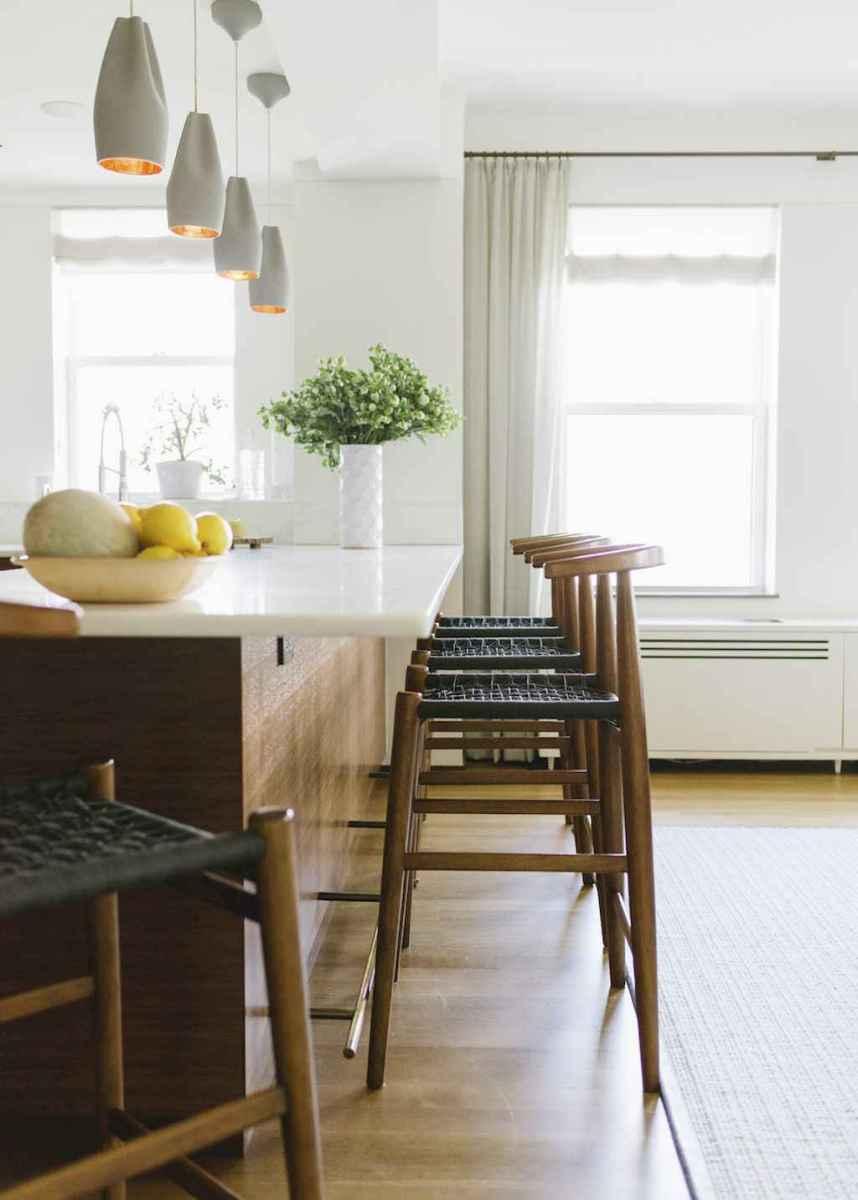 70 cool modern apartment kitchen decor ideas (53)