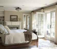 80 relaxing master bedroom decor ideas (24)