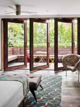 80 relaxing master bedroom decor ideas (30)