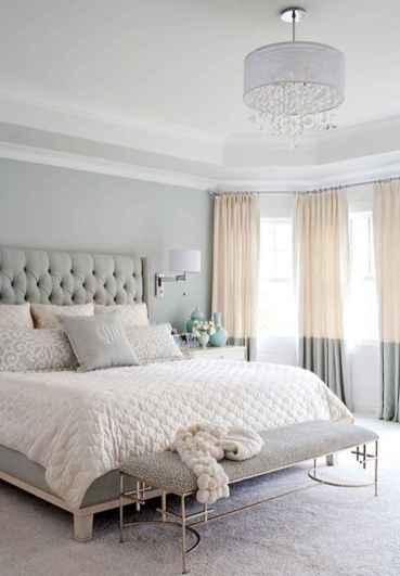 80 relaxing master bedroom decor ideas (6)