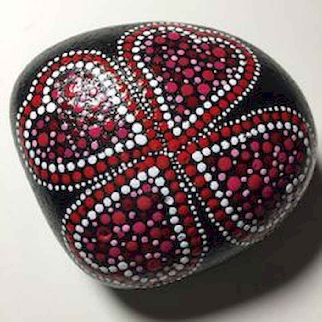 80 romantic valentine painted rocks ideas diy for girl (23)