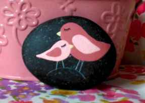 80 romantic valentine painted rocks ideas diy for girl (74)