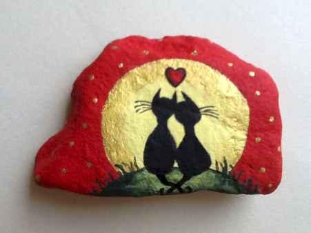 80 romantic valentine painted rocks ideas diy for girl (80)