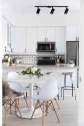 80 smart solution small apartment living room decor ideas (59)