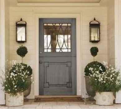 90 awesome front door farmhouse entrance decor ideas (66)