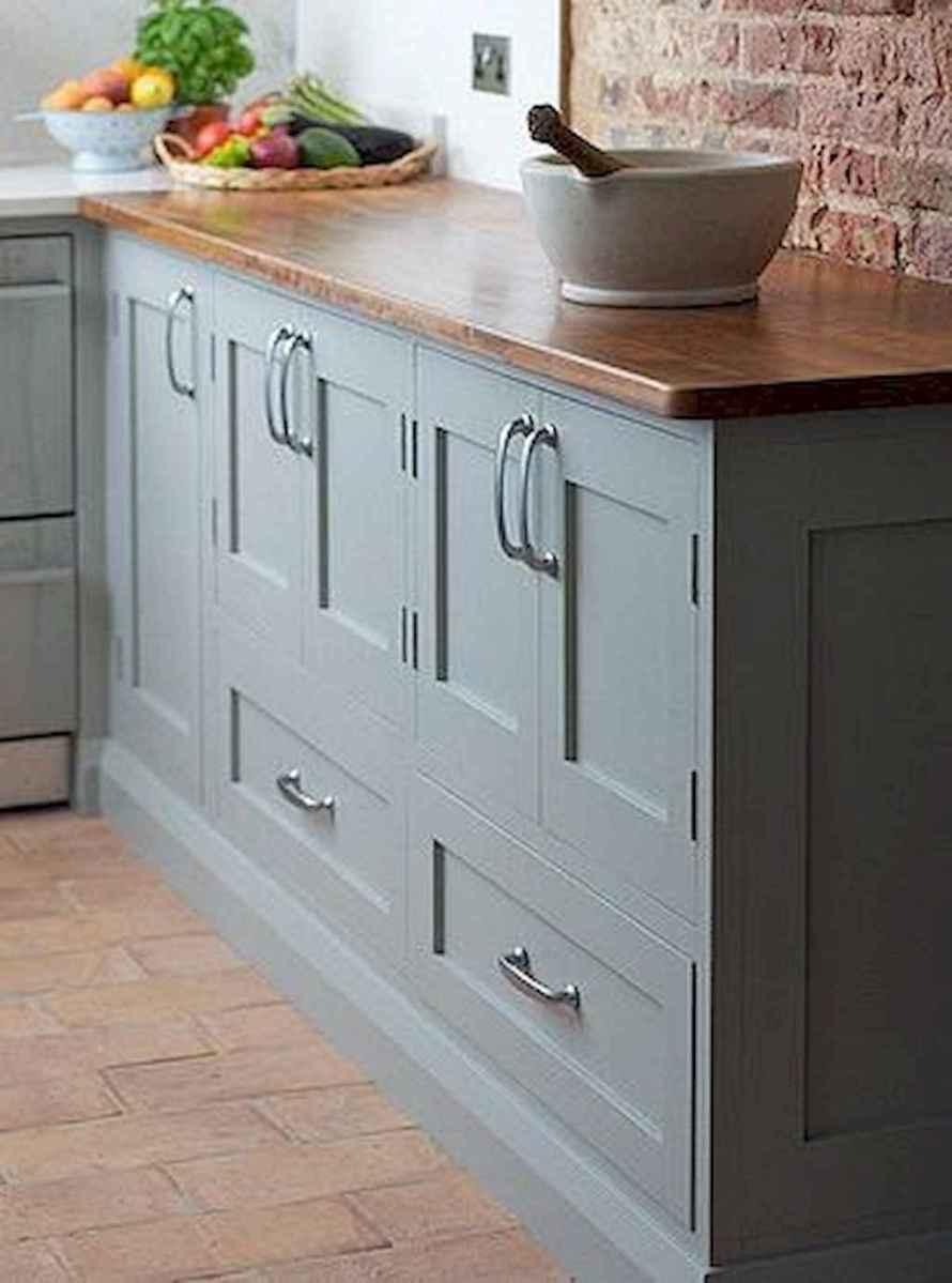 90 pretty farmhouse kitchen cabinet design ideas (20)