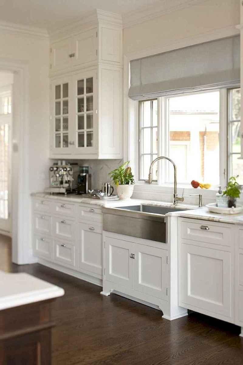 90 pretty farmhouse kitchen cabinet design ideas (44)