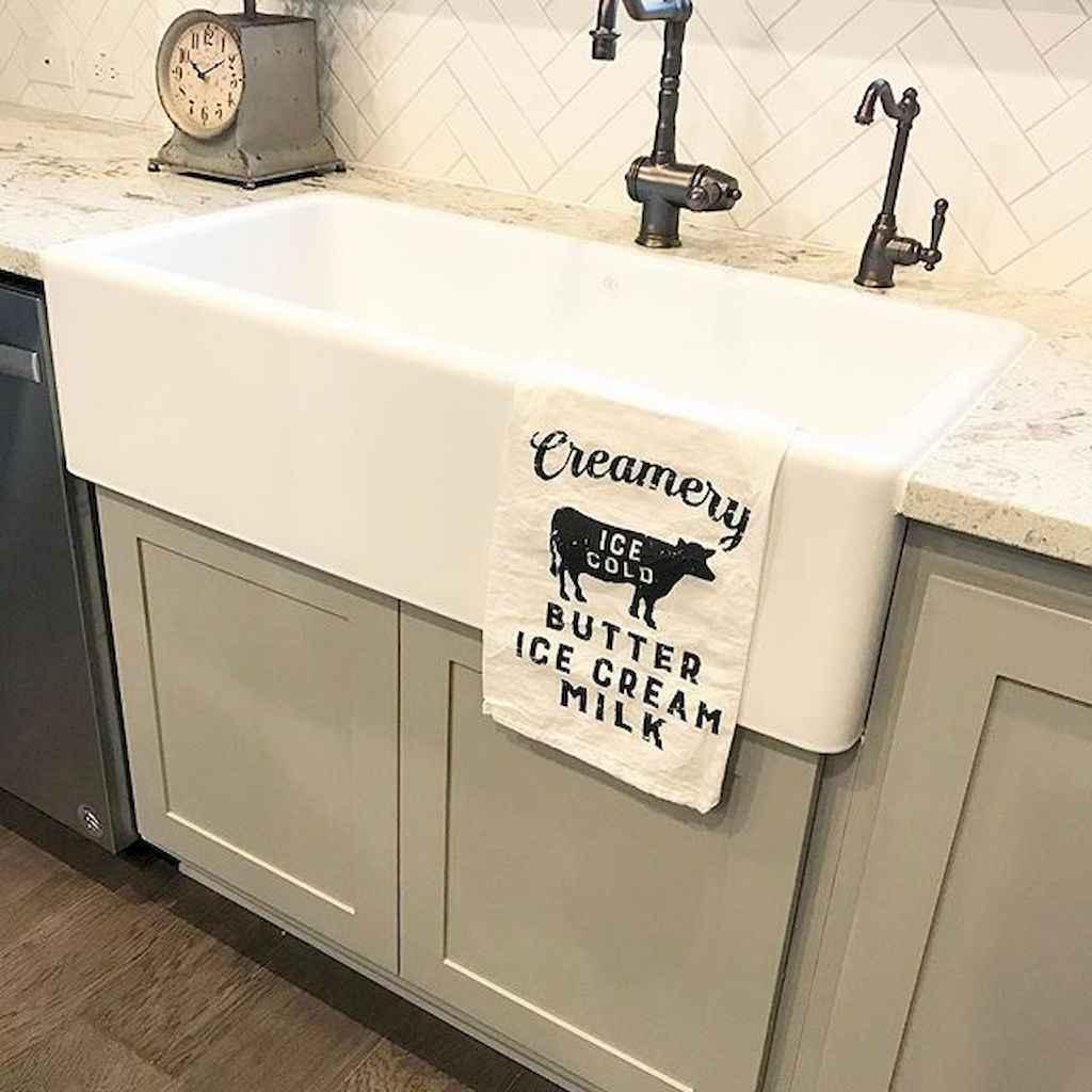 90 pretty farmhouse kitchen cabinet design ideas (6)