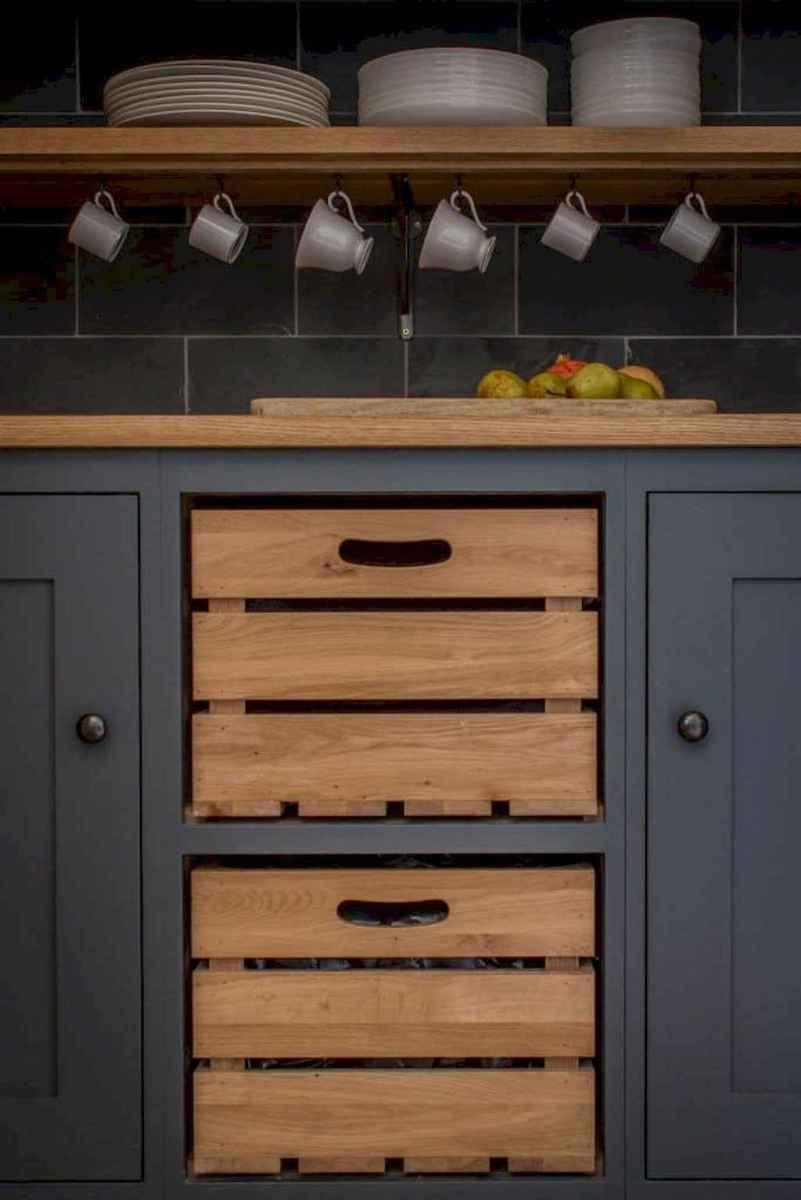 90 pretty farmhouse kitchen cabinet design ideas (65)