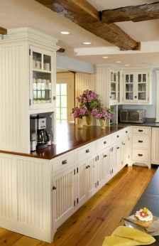90 pretty farmhouse kitchen cabinet design ideas (8)