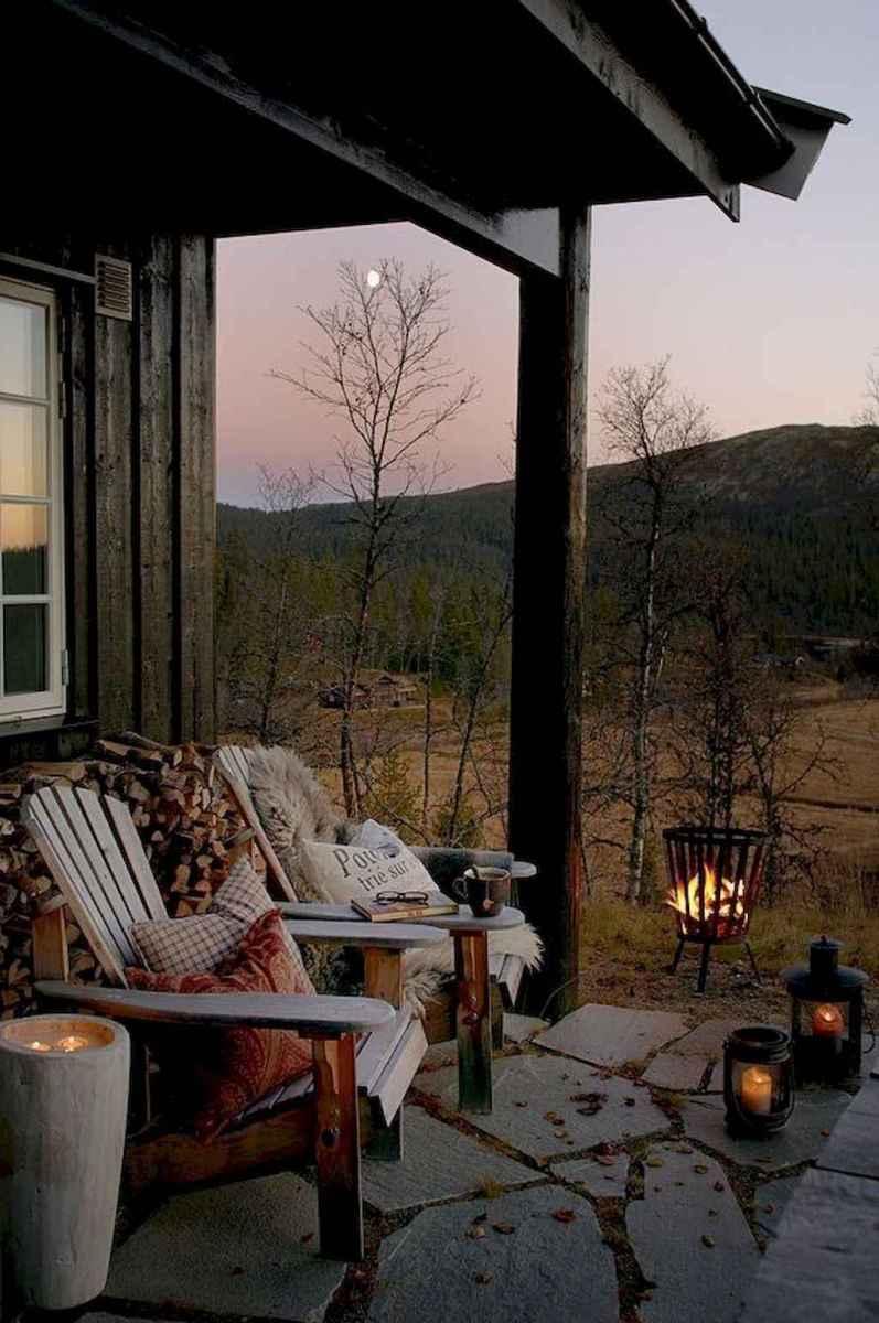 110 best farmhouse porch decor ideas (28)