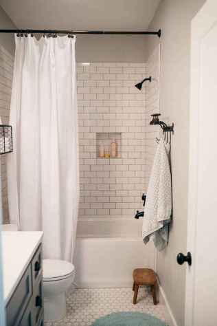111 small bathroom remodel on a budget for first apartment ideas (63)