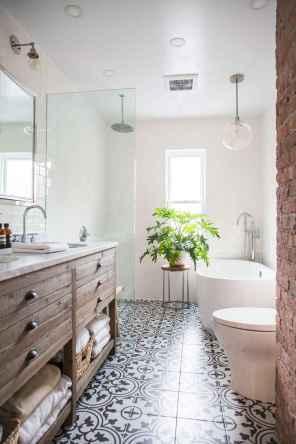 50 best farmhouse bathroom tile remodel ideas (12)