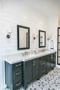 50 best farmhouse bathroom tile remodel ideas (33)