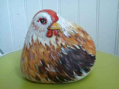 50 easy diy chicken painted rocks ideas (1)