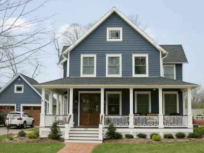 65 stunning farmhouse porch railing decor ideas (23)