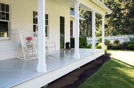 65 stunning farmhouse porch railing decor ideas (51)