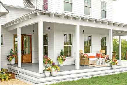 65 stunning farmhouse porch railing decor ideas (9)