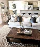 66 best farmhouse living room remodel ideas (26)