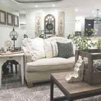 66 best farmhouse living room remodel ideas (56)