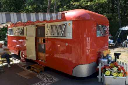 70 spectacular vintage trailers rv living ideas (12)