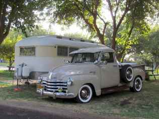 70 spectacular vintage trailers rv living ideas (42)