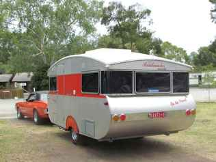 70 spectacular vintage trailers rv living ideas (50)