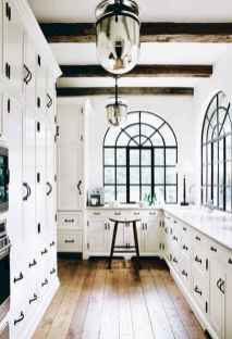 Best 100 white kitchen cabinets decor ideas for farmhouse style design (39)
