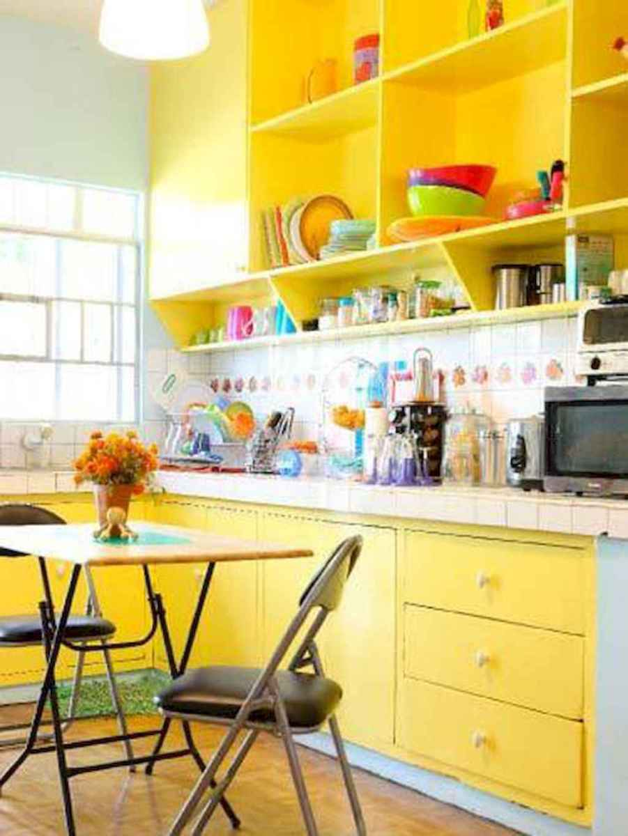 Best 40 colorful kitchen cabinet remodel ideas for first apartment (33)