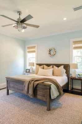 100 elegant farmhouse master bedroom decor ideas (22)