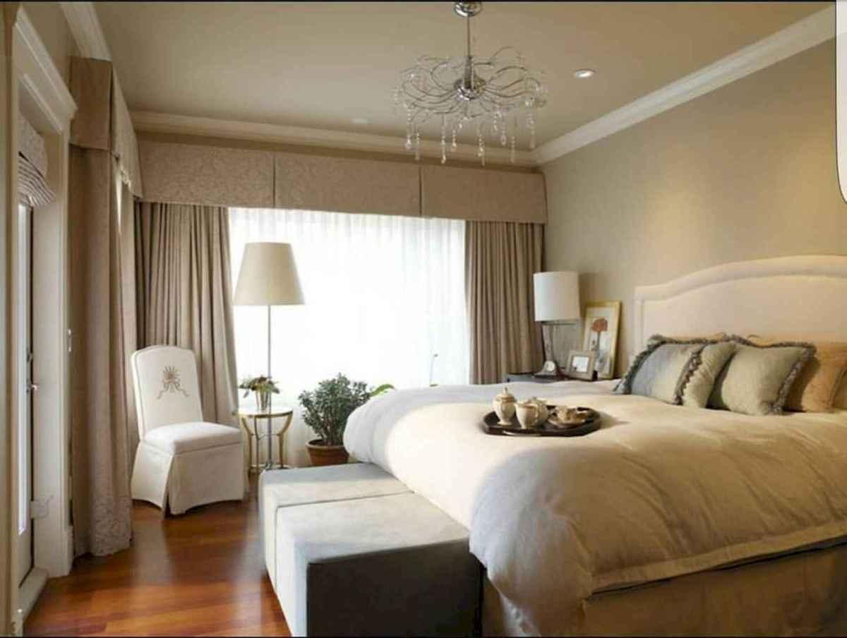 100 elegant farmhouse master bedroom decor ideas (71)