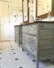 125 awesome farmhouse bathroom vanity remodel ideas (10)