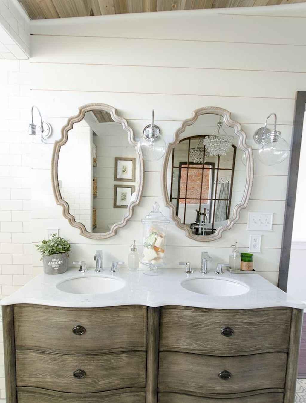 125 awesome farmhouse bathroom vanity remodel ideas (23)