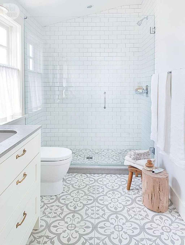 125 awesome farmhouse bathroom vanity remodel ideas (35)