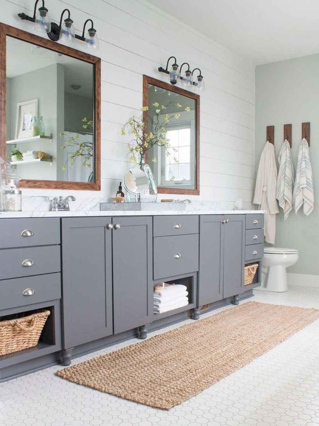 125 awesome farmhouse bathroom vanity remodel ideas (68)