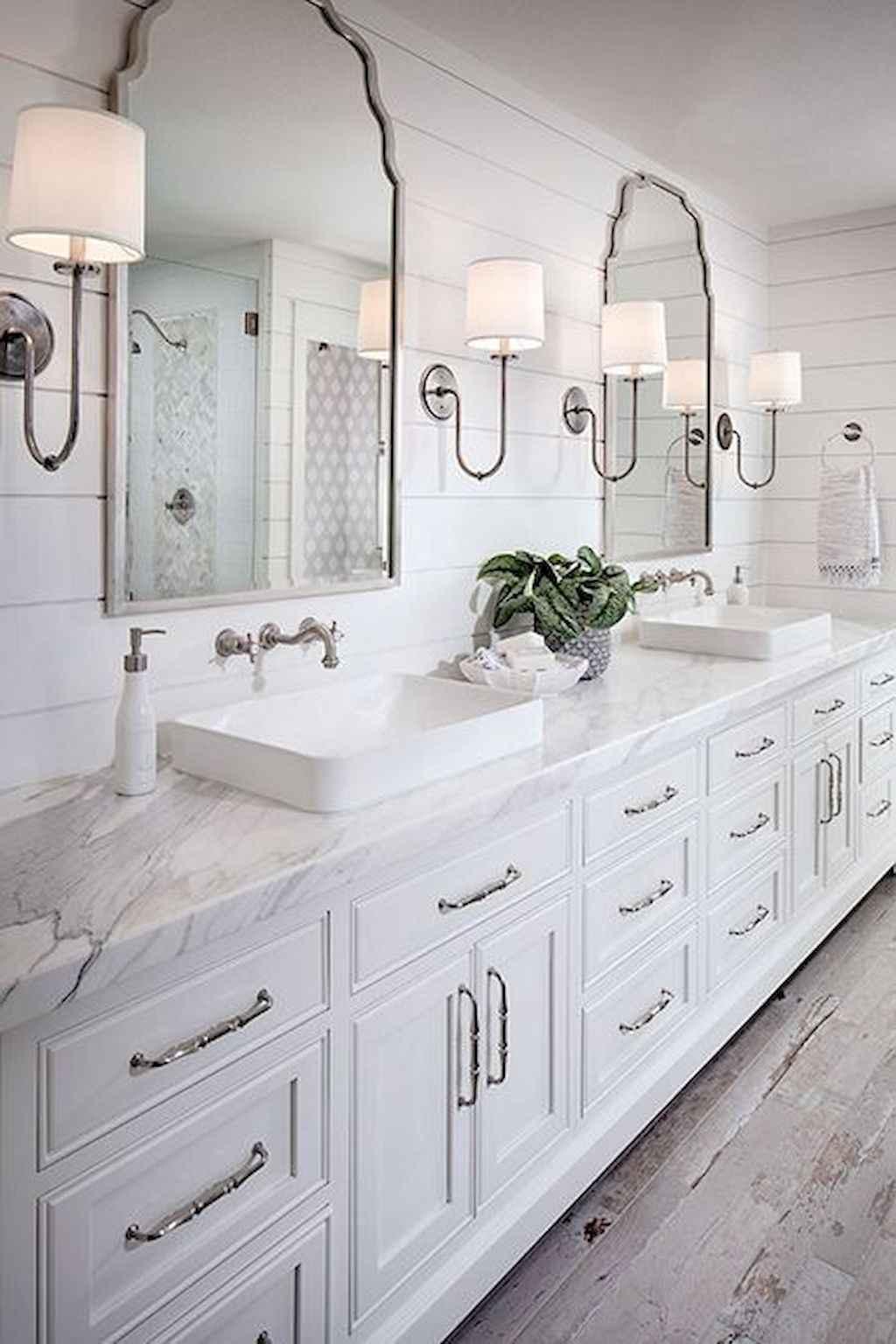 125 awesome farmhouse bathroom vanity remodel ideas (75)