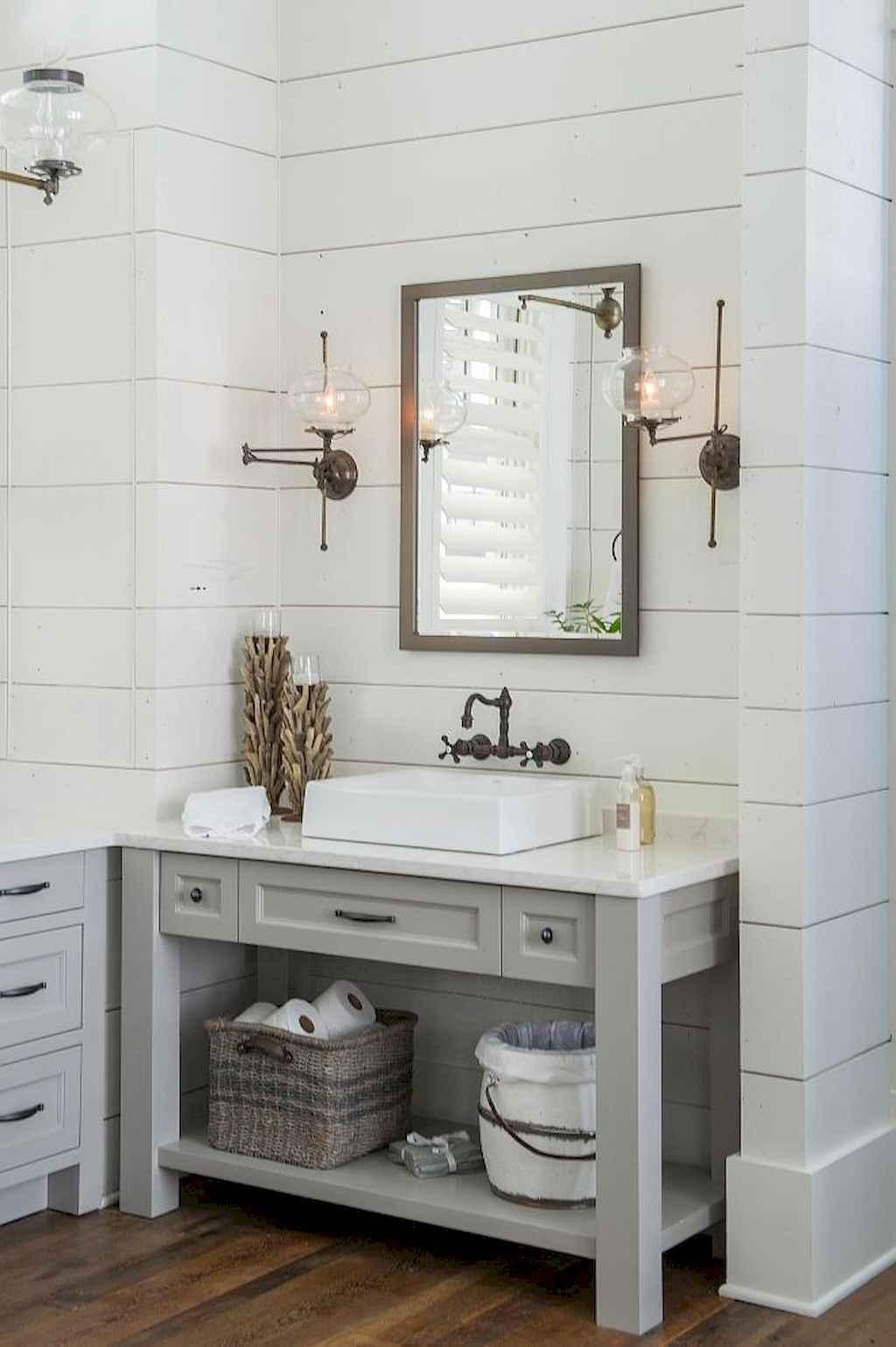 125 awesome farmhouse bathroom vanity remodel ideas (82)