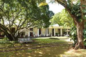80 awesome plantation homes farmhouse design ideas (15)
